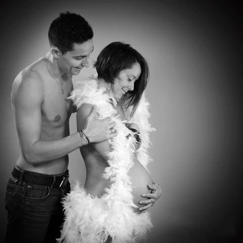 shooting photo grossesse en couple et en studio à Montpellier